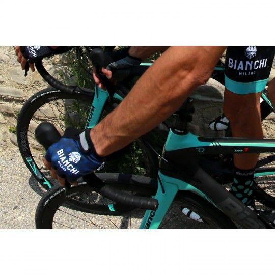 Actionbild 1 Bianchi Milano ALVIA Radhandschuhe kurzfinger blau