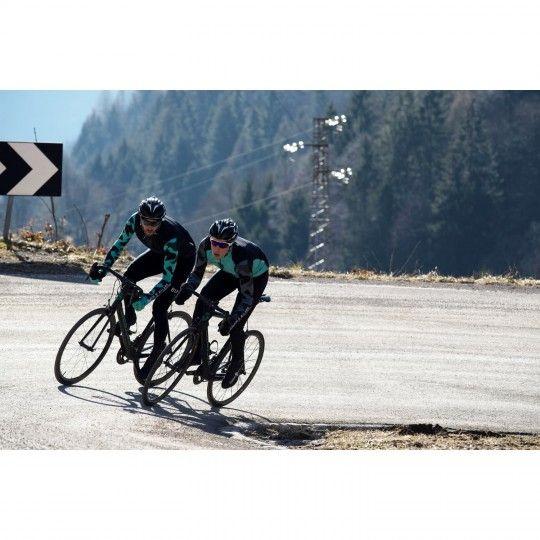 Actionbild1 Bianchi Milano VADENA Full Season Fahrrad Überschuhe