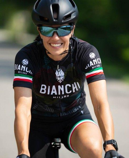 Actionbild2 ANCIPA Fahrrad Kurzarmtrikot Damen schwarz