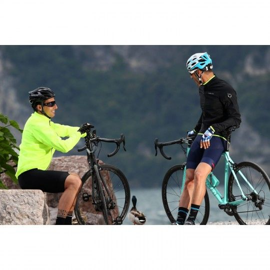Actionbild 1 Nalini ARIA Full Season Windjacke neongelb