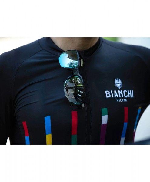 Actionbild3 Bianchi Milano FANACO Fahrrad Kurzarmtrikot schwarz