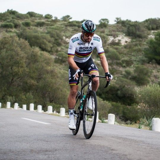 BORA-hansgrohe Straßenrad Weltmeister 2018 Action 1
