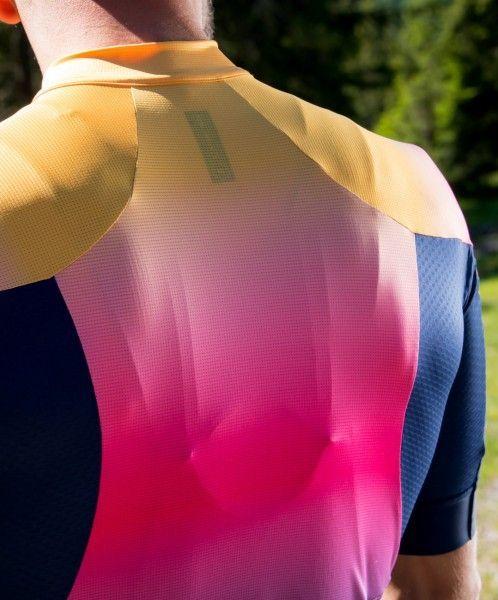 Actionbild5 Nalini Speed Jersey Radtrikot kurzarm blau/orange